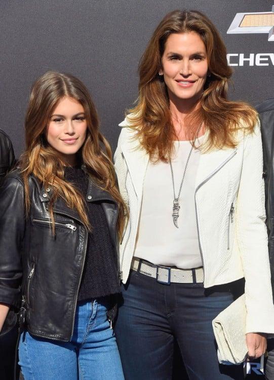 Cindy Crawford a lado de su hija Kaia