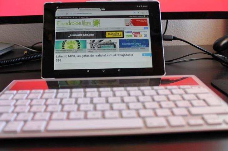 tablet con un teclado