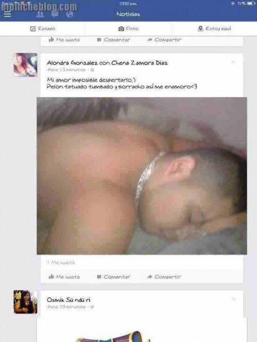 publicación en Facebook de una fotografía de un hombre dormido