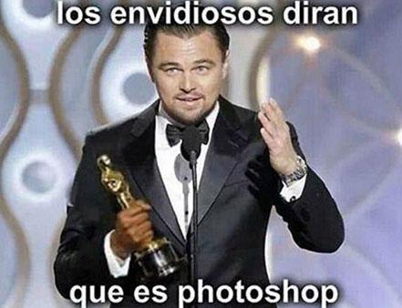 meme de Leonardo DiCaprio con su estatuilla del Oscar