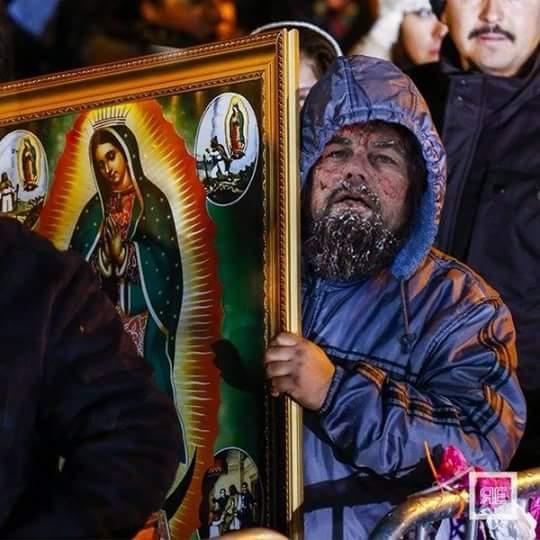 meme de Leonardo DiCaprio en una peregrinación a la basílica de Guadalupe