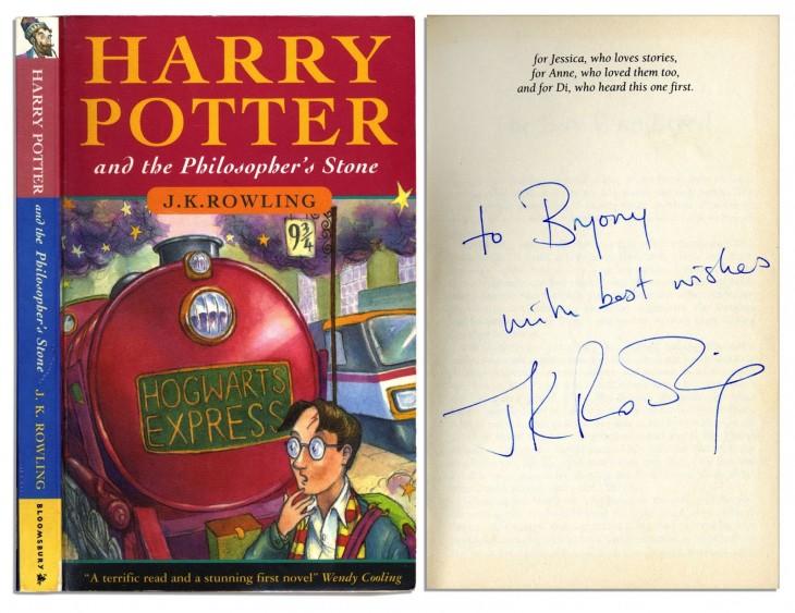 Ejemplar del libro de harry potter y la piedra filosofal