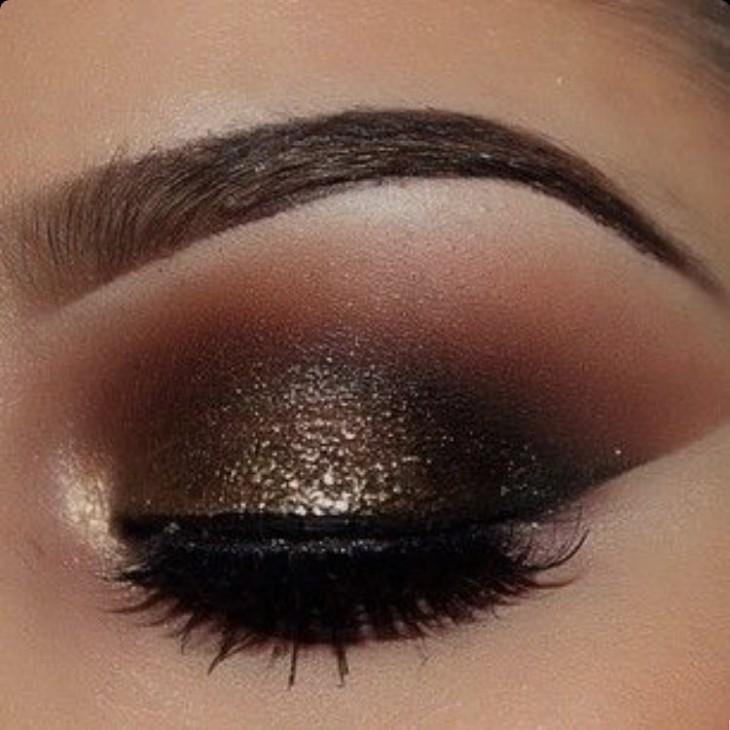 Sombra de ojos brillante en Instagram