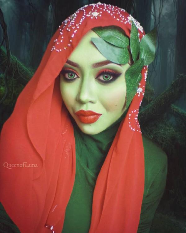 Artista de maquillaje vestida de la famosa hiedra venenosa