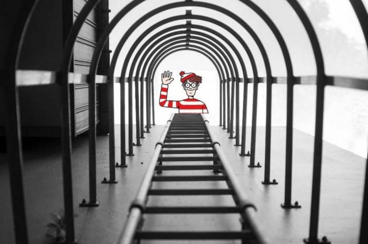 photoshop de la foto ganadora del concurso anual de nikon con el personaje Waldo al final