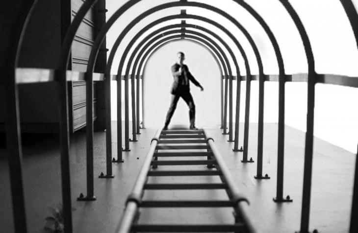 photoshop de la imagen ganadora de nikon con el agente 007 al final