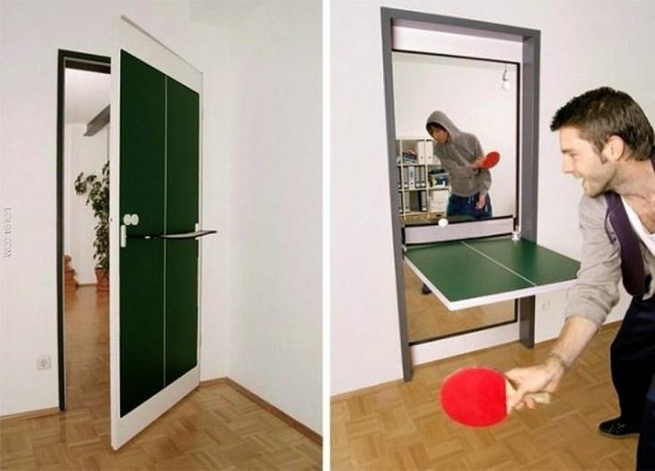 Puerta que se convierte en mesa de ping pong