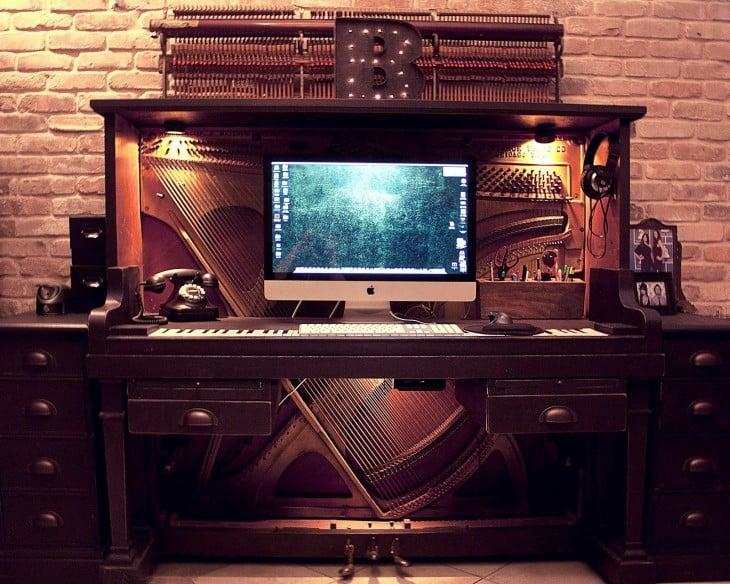 piano viajo reutilizado como centro de entretenimiento