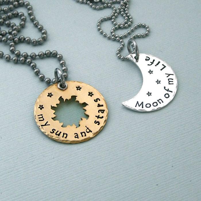25 accesorios de joyer237a inspirados en libros famosos