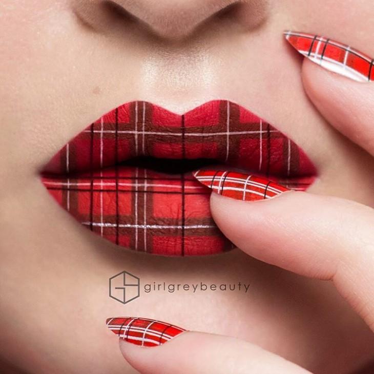 labios con un diseño cuadriculado en color rojo