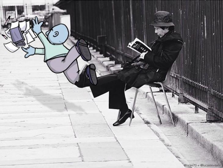 divertida imagen de una persona sentada metiendole el pie a un dibujo animado antes de caer