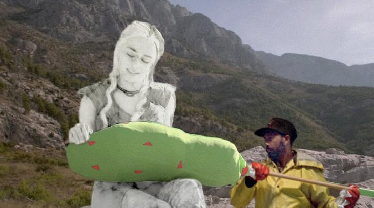 Photoshop Game of Thrones con un hombre moviendo una herramienta en pantalla verde