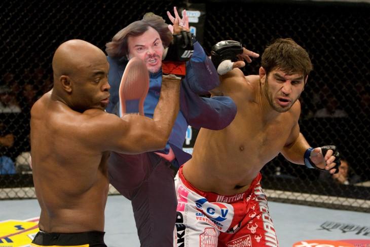 photoshop de JAck Black dando una patada en medio de dos boxeadores
