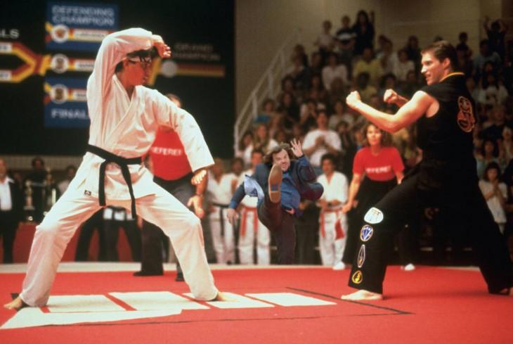 photoshop de jack black dando una patada en una escena de karate kid