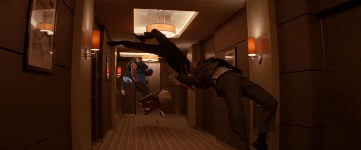 photoshop de jack black en una escena de acción entre unos elevadores