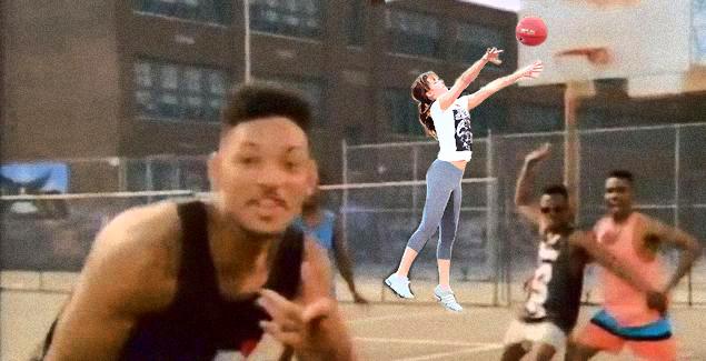 Batalla de photoshop de Jennifer Lawrence jugando basquet en una escena con will smith
