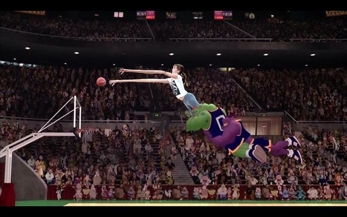 Batalla de photoshop de Jennifer Lawrence jugando basquet en una escena de la película de Space Jam