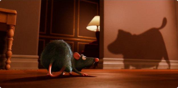 sombra de Dug de la película Up en un cameo en la película de Ratatouille