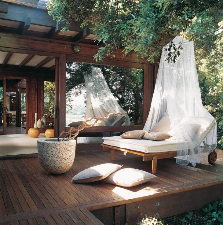 cómoda terraza yfresca con vista al jardín