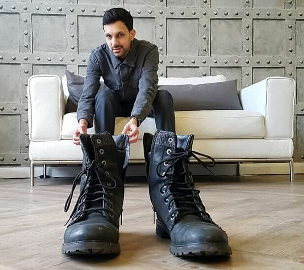 reveals secret of boots
