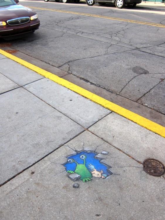 dibujo hecho con tiza en una de las calles de Michigan
