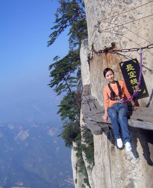 El camino de la muerte en China, uno de los atractivos turísticos más famosos