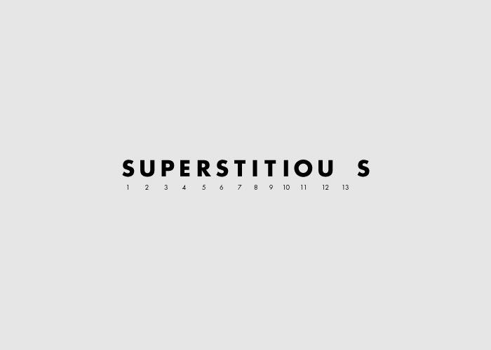 caligrama de la palabra superstitious