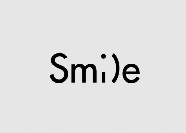 logotipo de la palabra smile