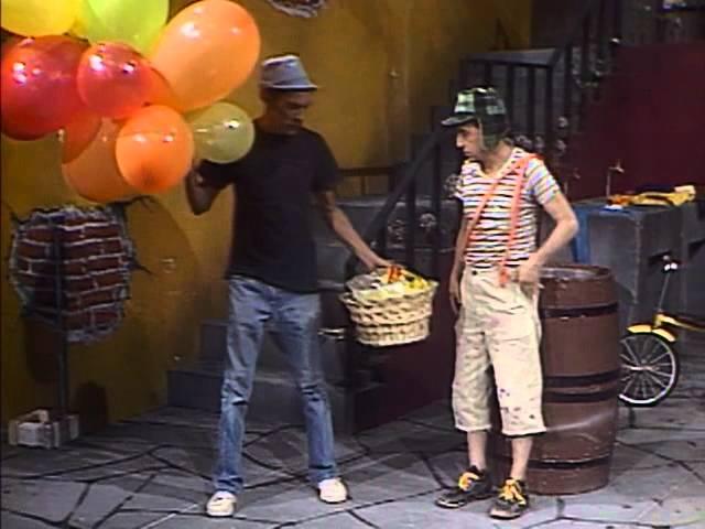Don Ramíon vendiendo globos
