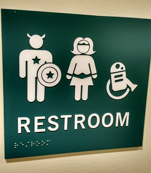 letreros de baños superhéroes