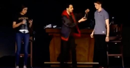 El mago Dynamo quedó en ridículo en una presentación de su show en vivo