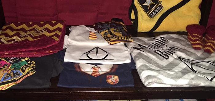 cuarto decorado harry potter, camisetas de muggle