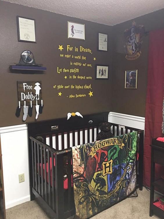 cuarto decorado Harry Potter, cuna Hogwarts, calcetines para Dobby