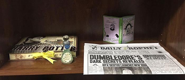 cuarto decorado harry potter, edición de periodico el profeta