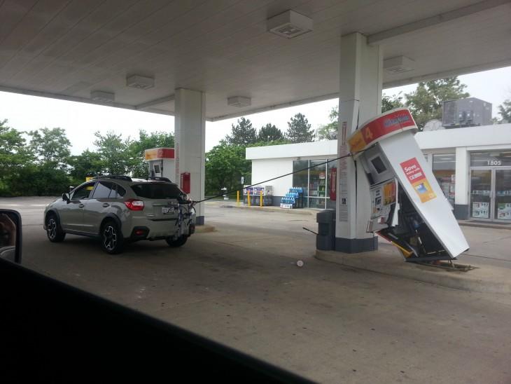 puso gasolina y no retiró la pipa