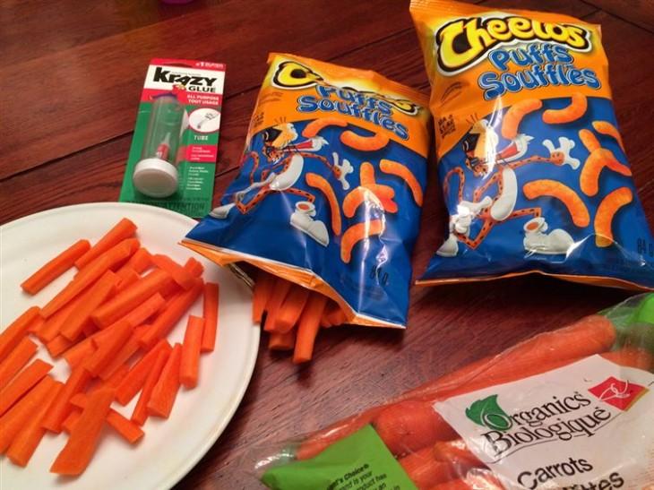 bolsa de chettos con zanahorias adentro