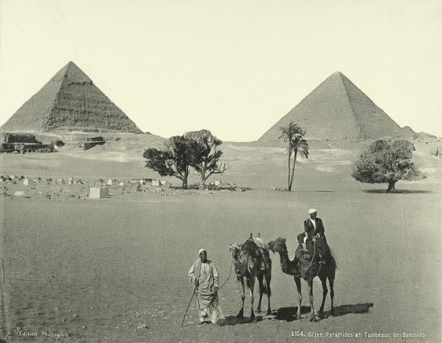 pirámides de giza y tumbas de los beduinos