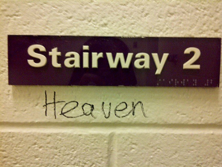 letrero con la palabra Stairway 2