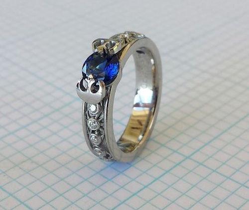 anillo con una perla azul del diseño de Star Wars