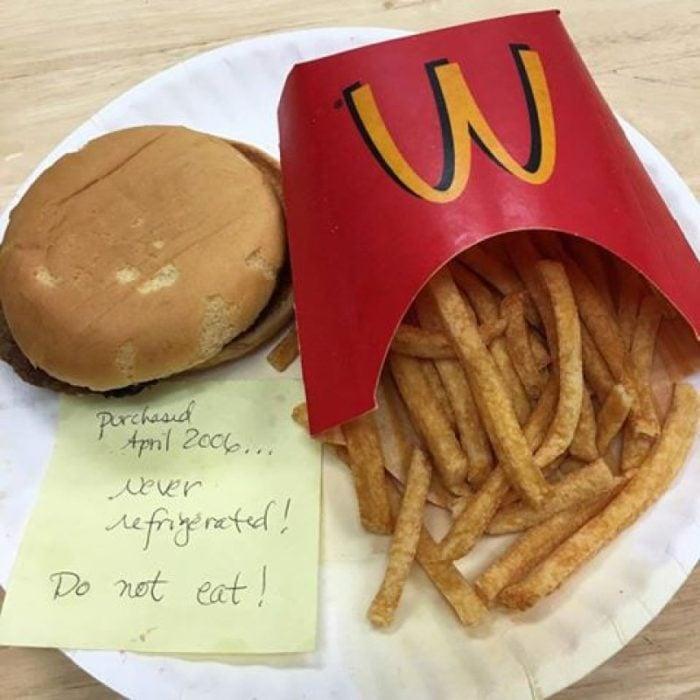 Así luce una hamburguesa de McDonald´s 10 años después sin ser tocada ni refrigerada