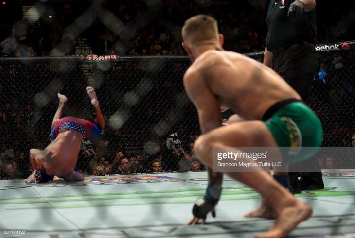 Batalla de Photoshop de la caída de Zac Efron en una pelea vale todo