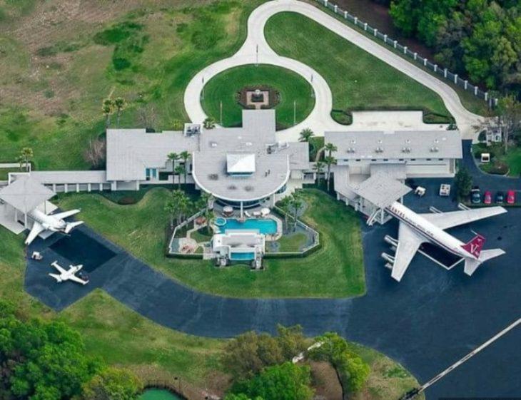 vista aérea de la casa de John Travolta