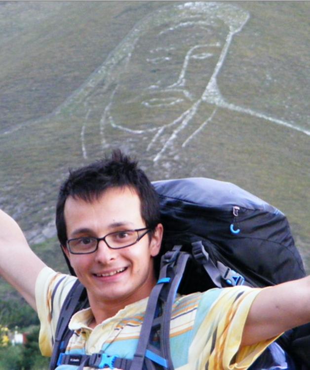 fotografía de Timotei Rad con el retrato de Genghis Khan en Ulaanbaatar