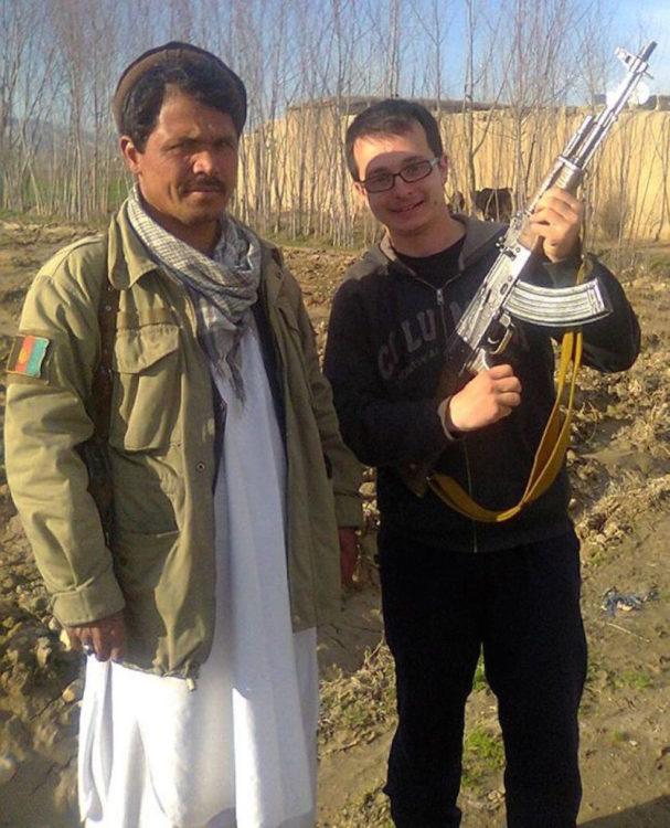 Timotei Rad se encontró con un talibán escondido en un bosque