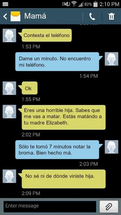 mensaje madre e hija diciendo que se tardo 7 minutos en notar la broma