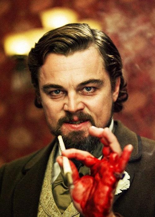 Leonardo DiCaprio con la mano sangrada en una de las escenas de la película Django