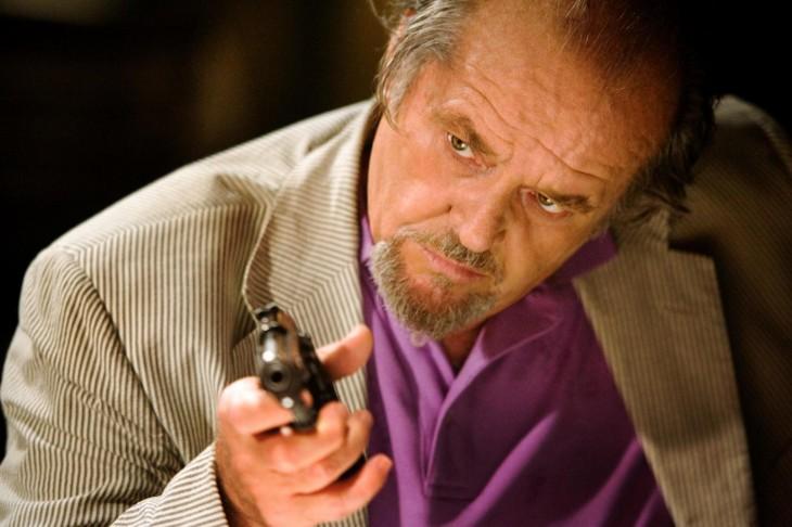 """Jack Nicholson con un arma en la película """"Los infiltrados"""""""