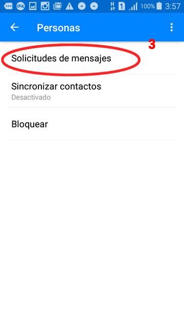 captura de pantalla de un celular en las solicitudes de mensajes en Messenger