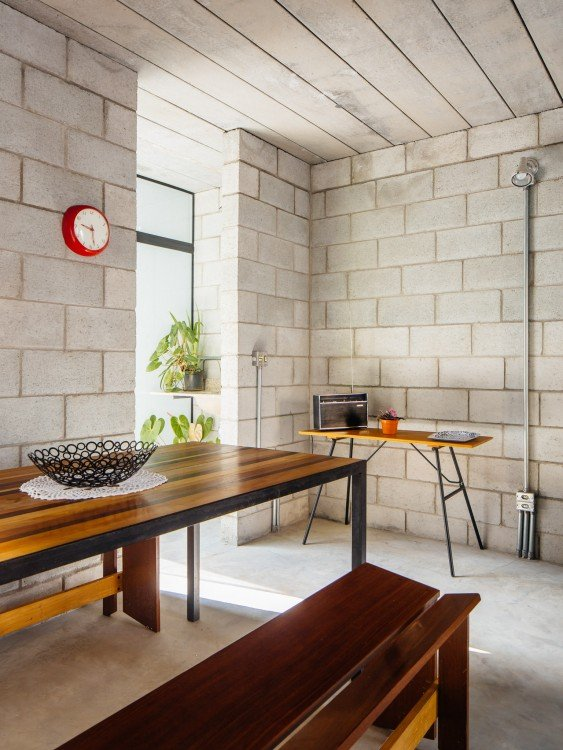 decoración interior de la casa que ganó el premio internacional de arquitectura