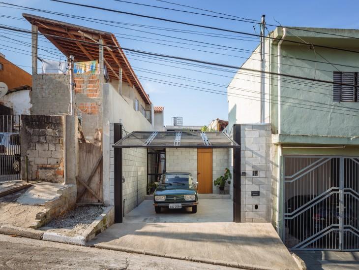 fachada de la casa de la Empleada doméstica brasileña que ganó premio internacional de arquitectura